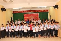zhi shan foundation tai tro tren 165 ty dong cho tre em kho khan trong nam 2020