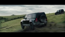 video land rover defender pho dien tuyet ky trong phim moi ve james bond
