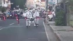 video philippines dung may bay khong nguoi lai chong dich covid 19