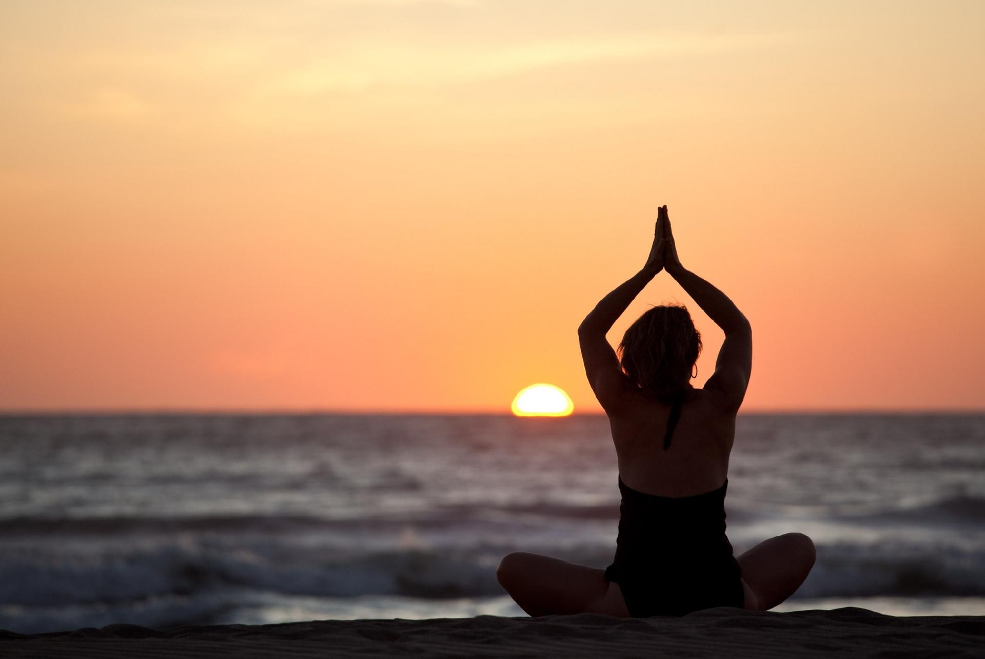 yoga co tac dung nhu the nao doi voi cot song